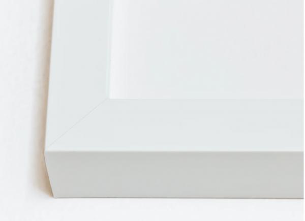 Gallery Deep White hardwood frame