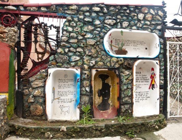 Bathtubs-Havana-Cuba-patricia-gilman
